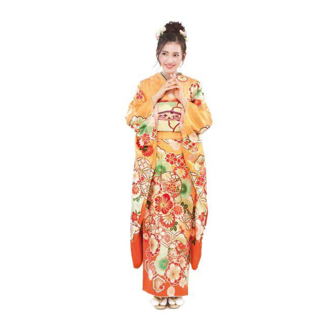 振袖NO:K222/キャンディのようなオレンジ色でキュートな印象。帯や襟元で黄緑色を合わせフレッシュさ溢れる二十歳の装いに。